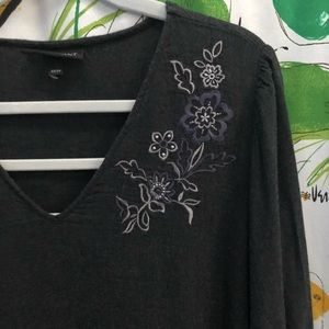 Lane Bryant Embroidered Top w Flounce & Pockets!
